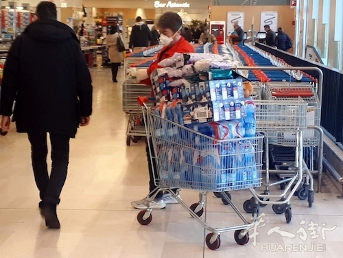 西西里岛一男子新冠病毒确诊还去超市购物被捕,最高判刑12年